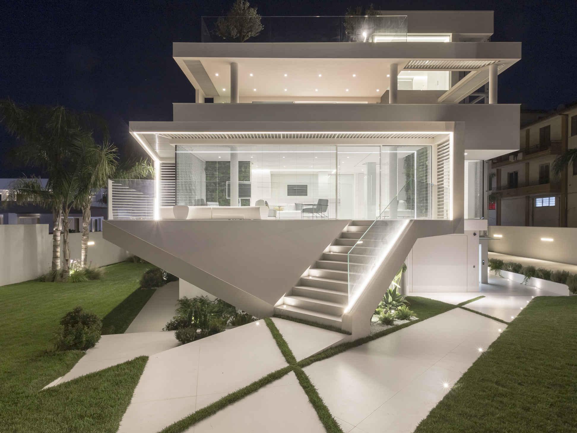 Alla scoperta dell'utopico Centro Dentistico Decorato, dove l'aspetto architettonico incontra natura, comfort e benessere [ESTRATTO]