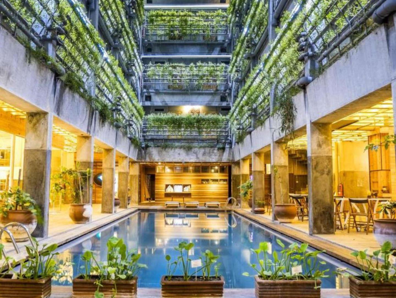 Nuotare nel verde: l'iniziativa eco-friendly del Greenhost Boutique Hotel
